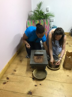 Gringing Cocoa with Elle using the 'Mettatay'